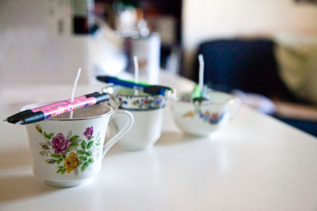 candle-teacup
