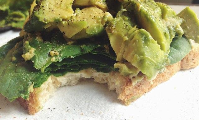 avocado spinach hummus