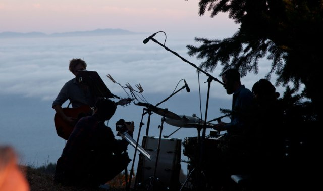 mt-tam-concert-clouds