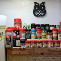 Renter Friendly Ideas: Spice Rack